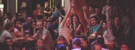 Comment danser assis : 5 pas à connaître par cœur !