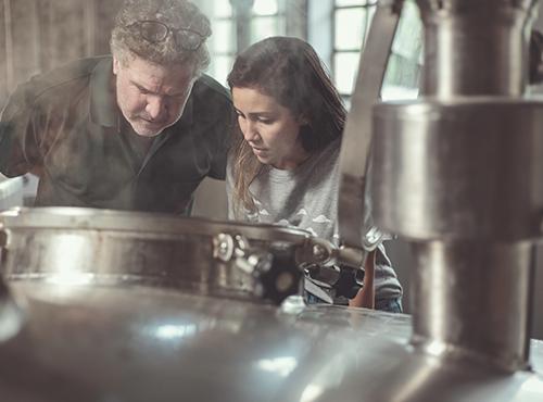 Visite De La Fabrique Et Distillerie