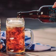 Ninkasi Oktoberfest : Eine party, eine bier