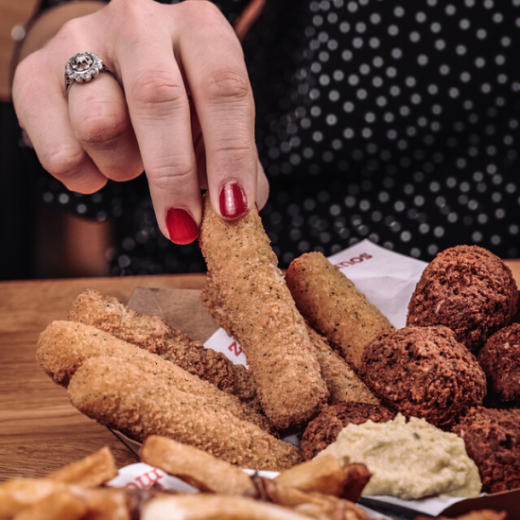 Mozza sticks, falafels & houmous